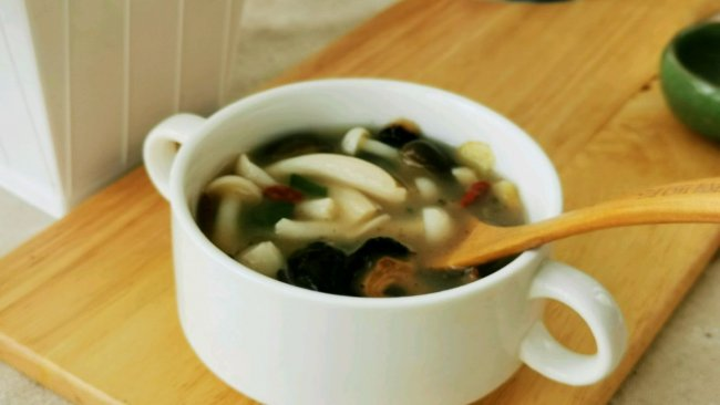 快手菌菇海参汤的做法