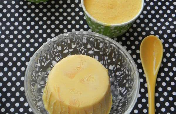 蛋奶芒果冰激淋