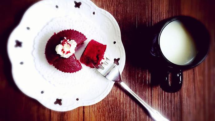 爱的礼物【红丝绒cupcake】