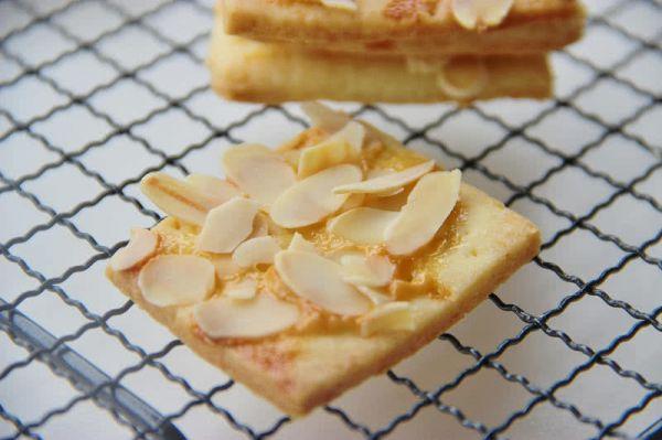 炼乳杏仁椰丝饼
