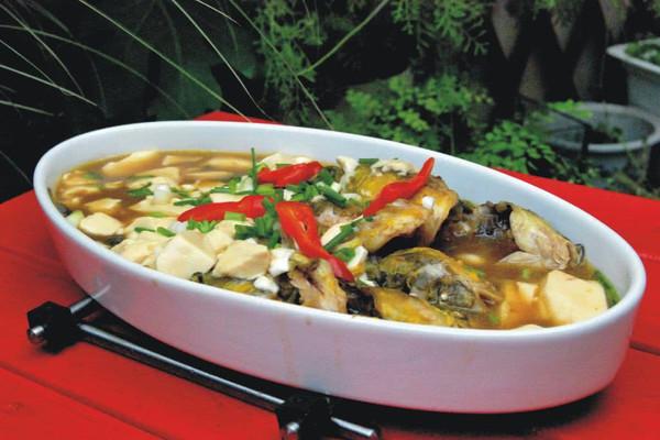 昂刺鱼烧豆腐的做法