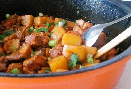 鸡块烧土豆的做法