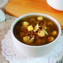 夏季解暑:绿豆莲子百合汤