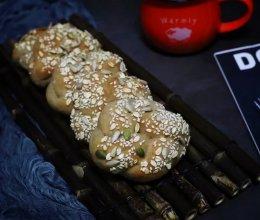 黑麦果仁花环包的做法