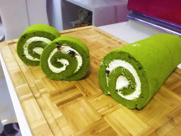 抹茶蜜豆蛋糕卷的做法