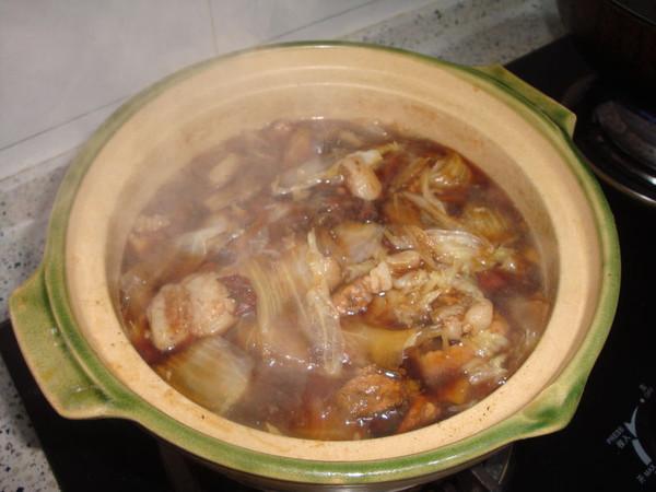 砂锅烀肉炖白菜的做法