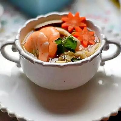 鲜虾菌菇豆腐汤