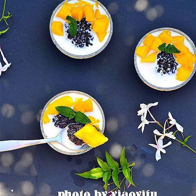 夏季不可错过的美味健康甜品--芒果鲜奶黑糯米