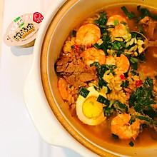 浓汤虾仁沙锅泡饭
