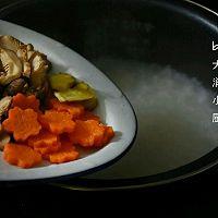 快手鸡丝香菇粥#急速早餐#的做法图解4