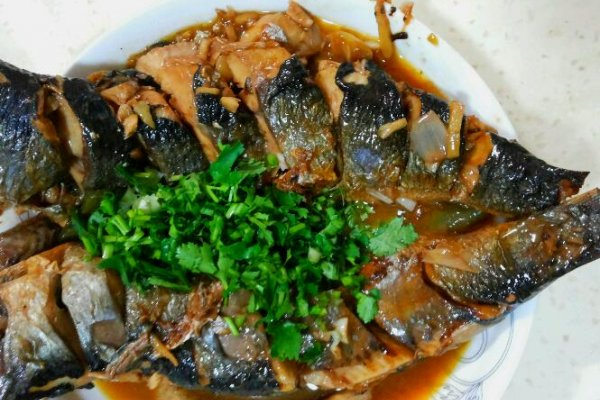 我最爱家常菜~家常青鱼的做法