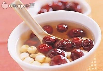 莲子红枣汤的做法