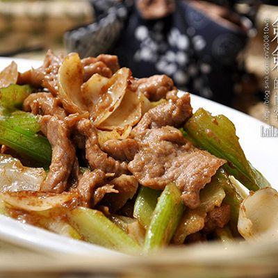 西芹百合炒牛肉