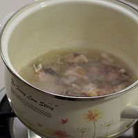 薏米冬瓜排骨汤 祛湿排毒的做法图解1