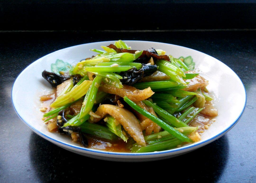 芹菜炒猪肚图片木桶饭图片