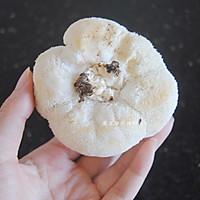 猴头菇炖鸡汤的做法图解3