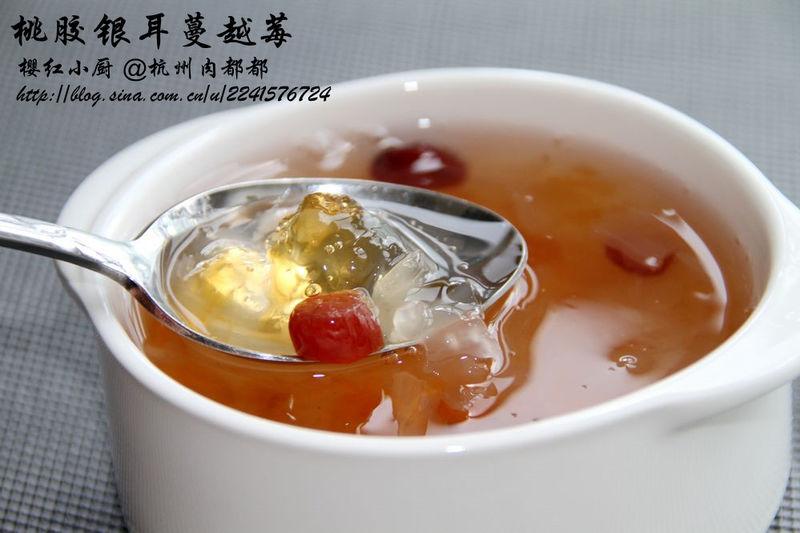 夏日糖品--桃胶银耳蔓越莓