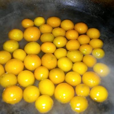 蜜糖金钱橘的做法 步骤2