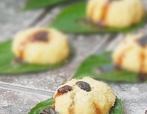 夏天小食:糯米甜糍粑