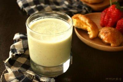 轻食记,从春天开始,香蕉牛油果奶昔