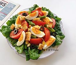 素沙拉蒜香面包干西红柿芦笋生菜沙拉的做法