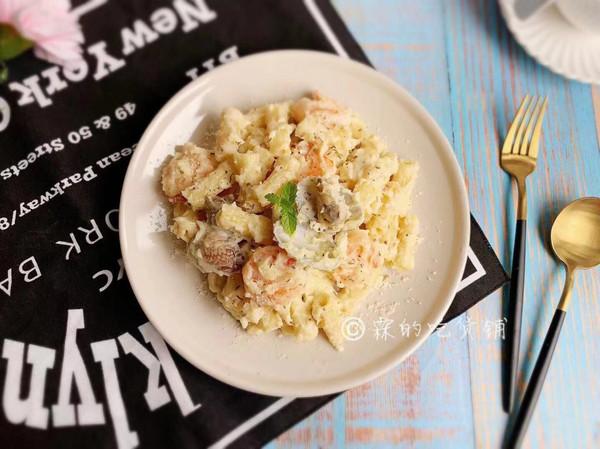 奶油白酱海鲜意面的做法