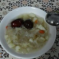 银耳马蹄红枣甜汤的做法图解1