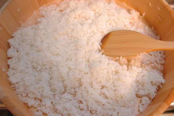 普通大米)一大碗和糯米图片