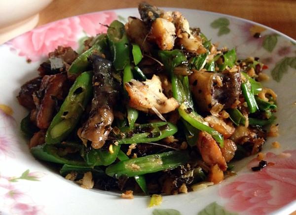 美食酸腌菜炒手撕青椒的做法-菜谱-豆果蒜苗移腊鱼炒鱼籽图片
