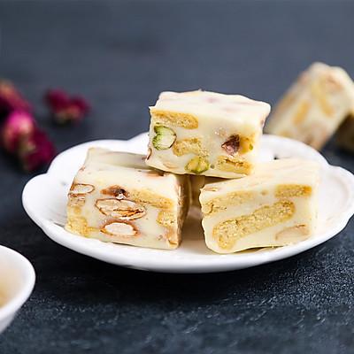 新晋网红原味奶香雪花酥,一个不粘锅就搞定!