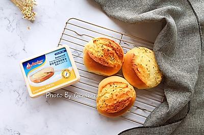 #安佳黑科技易涂抹黄油#蒜香面包