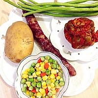 香肠土豆焖饭的做法图解1