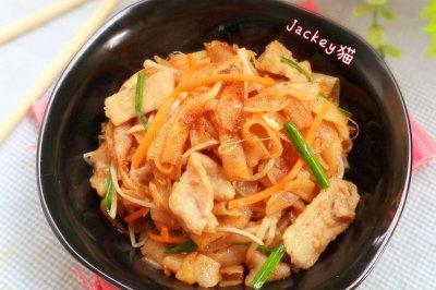 沙茶肉片炒河粉------利仁电火锅试用菜谱