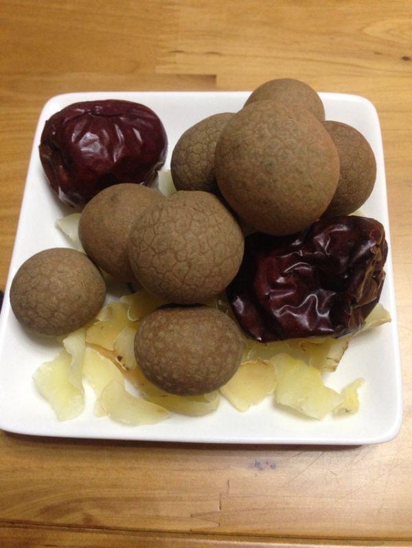 银耳菜谱酸菜桂圆汤的百合_美食_豆果红枣棒骨五花肉炖做法图片
