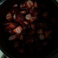 草莓酱的做法图解1