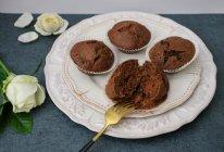 香蕉巧克力提子蛋糕的做法
