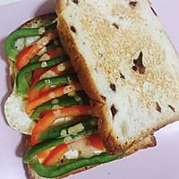 高能早餐蔬菜煎蛋三明治#丘比沙拉汁#