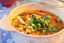 开胃暖身酸辣汤的做法