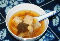 黑蒜头炖瘦肉汤的做法