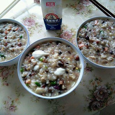 酸奶什锦粥(废物利用)的做法 步骤1