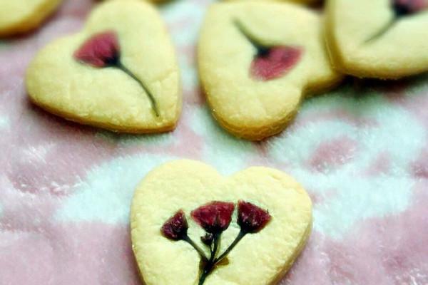 爱心盐渍樱花饼干的做法