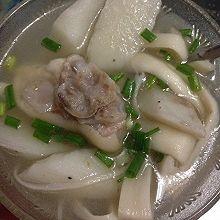 山药海鲜菇猪蹄汤