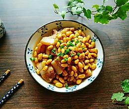 家常三层肉煮毛豆的做法