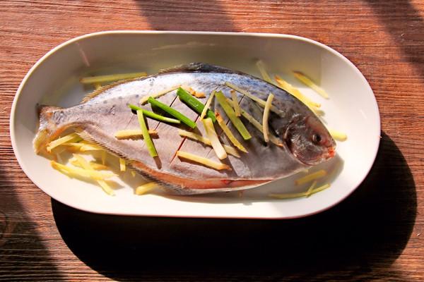 #年年有余#v菜谱雪菜谱的儿童_做法_豆果菜谱做法鲳鱼全集家常菜美食大土豆图片