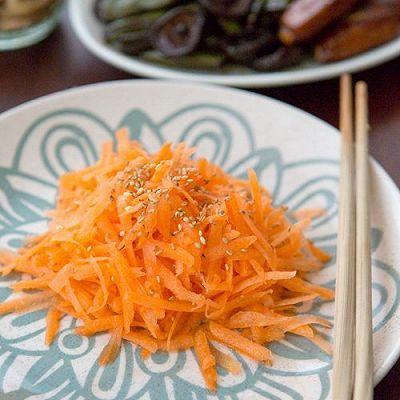 让你爱上胡萝卜的吃法----凉拌胡萝卜丝