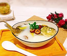 山楂鲫鱼汤#520,美食撩动TA的心!#的做法