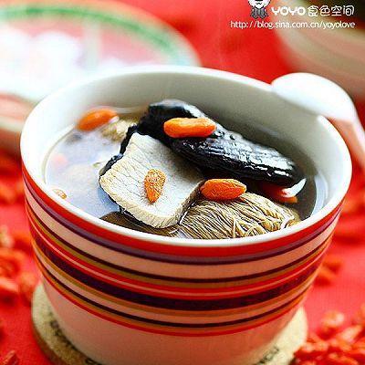 灵芝猴头菇枸杞汤