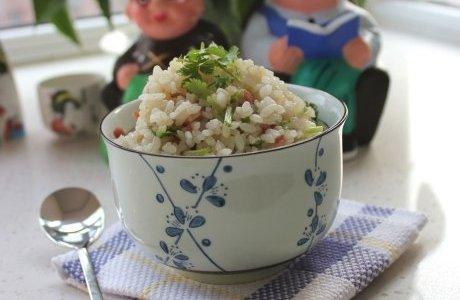 洋葱培根炒饭的做法