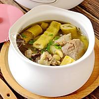 笋干莲子百合煲大骨 #母亲节,给妈妈做道菜#的做法图解7