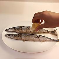 日式盐烤秋刀鱼的做法图解6